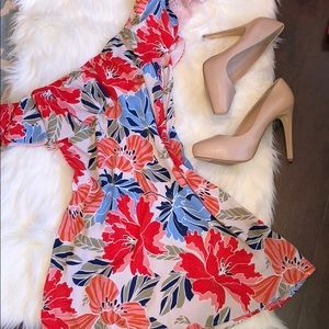 NWT floral dress! Size Small